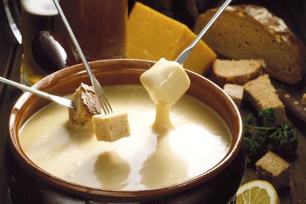 A fondue to forget '70s food Fondue de queso