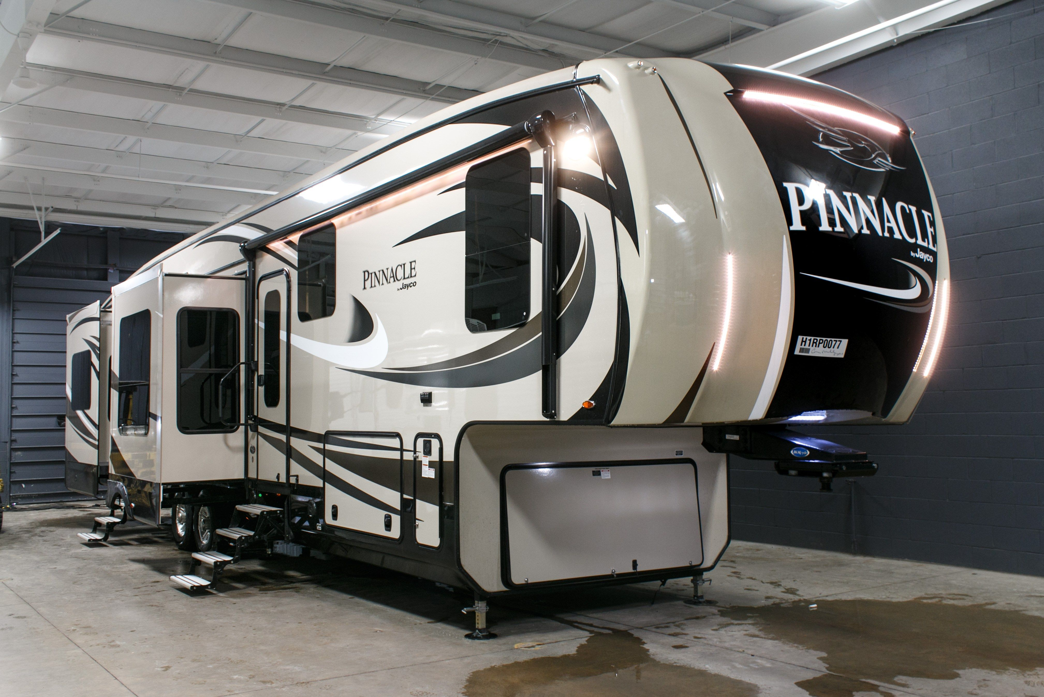 The New 2017 Jayco Pinnacle 38REFS you re looking for is available