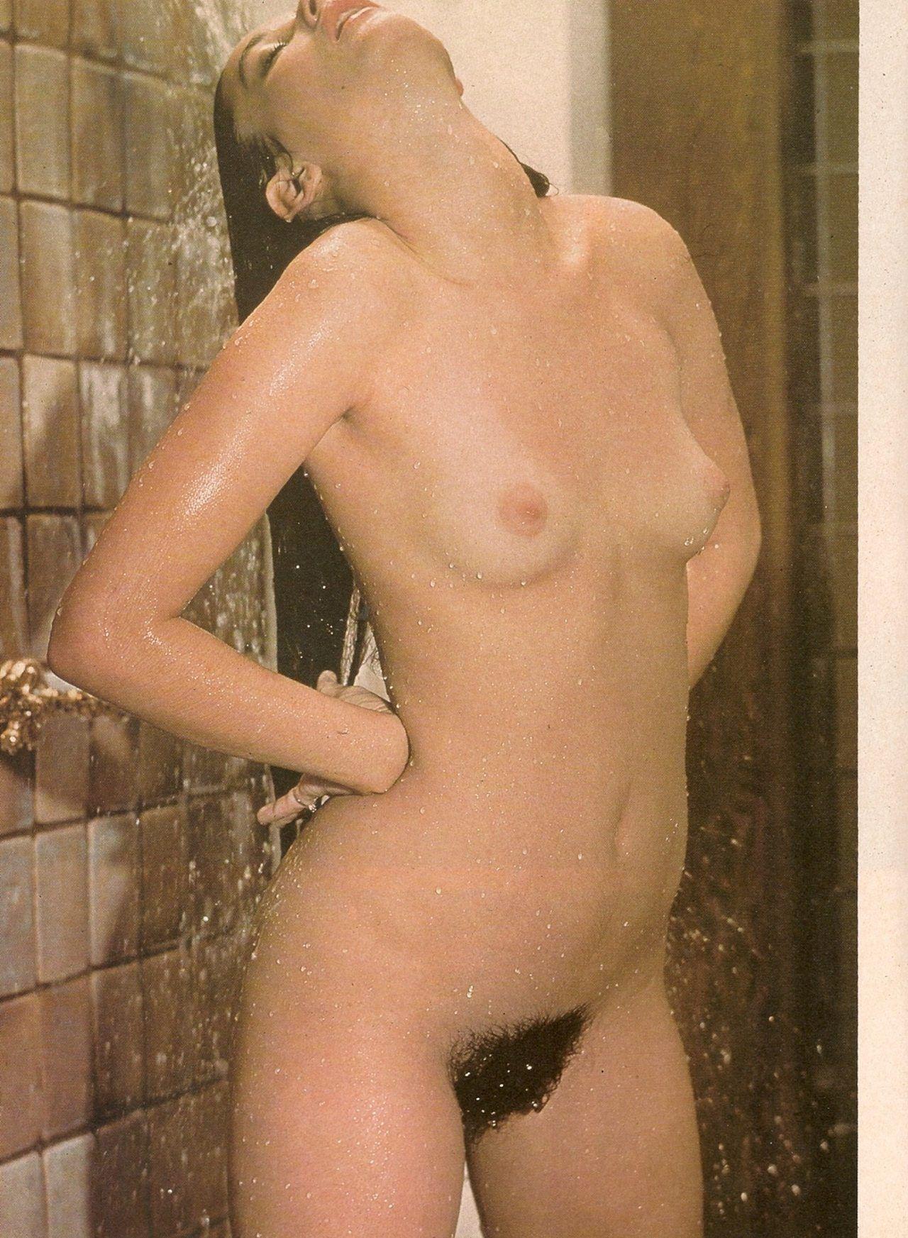 Demi moore shower nude pics