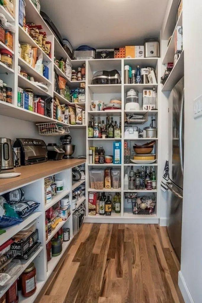 Epingle Par Ro Ro Sur Cuisines D Exterieur En 2020 Rangement Interieur Cuisine Rangement Cellier Cellier Maison