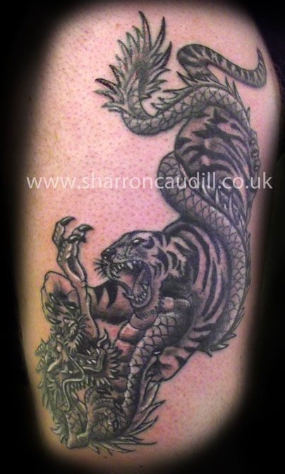 fce12bc94 Pin Dragon Fighting Tiger Tattoo Designs Picture on Pinterest | Onna ...