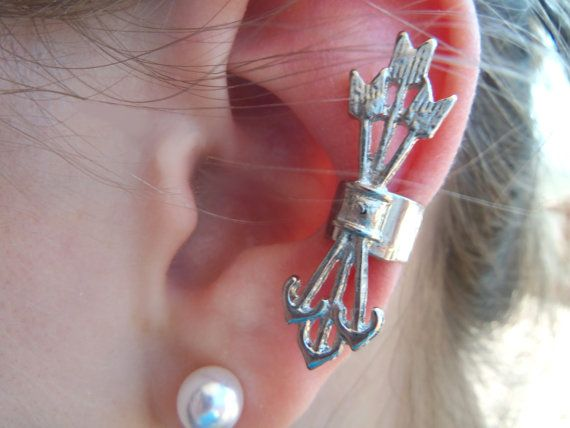 Silver Arrows Ear Cuff by Toscanys on Etsy
