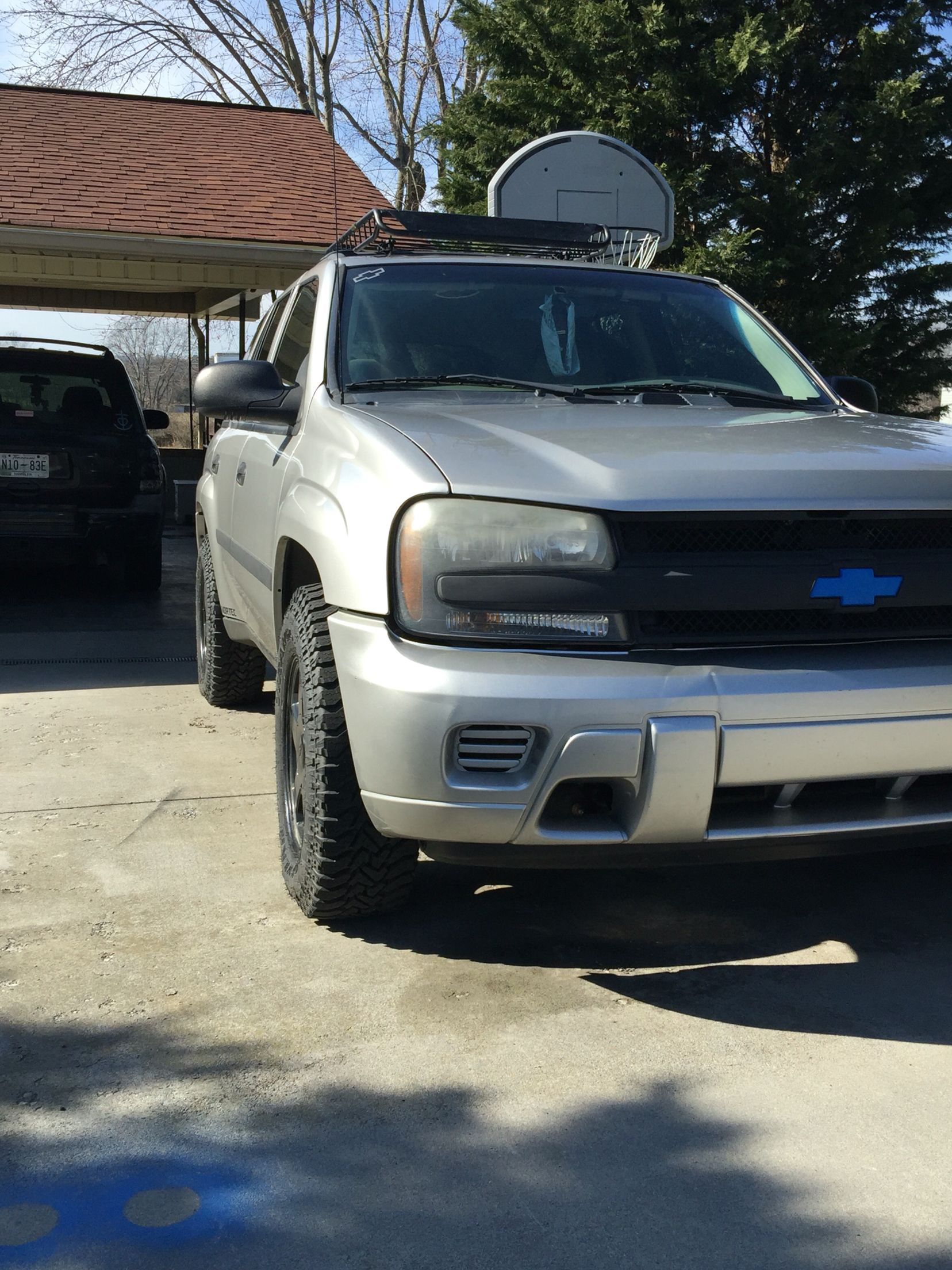 New 1 5 Inch Wheel Spacers On The Trailblazer Derrickrucker02build Chevy Trailblazer Trailblazer Gmc Envoy