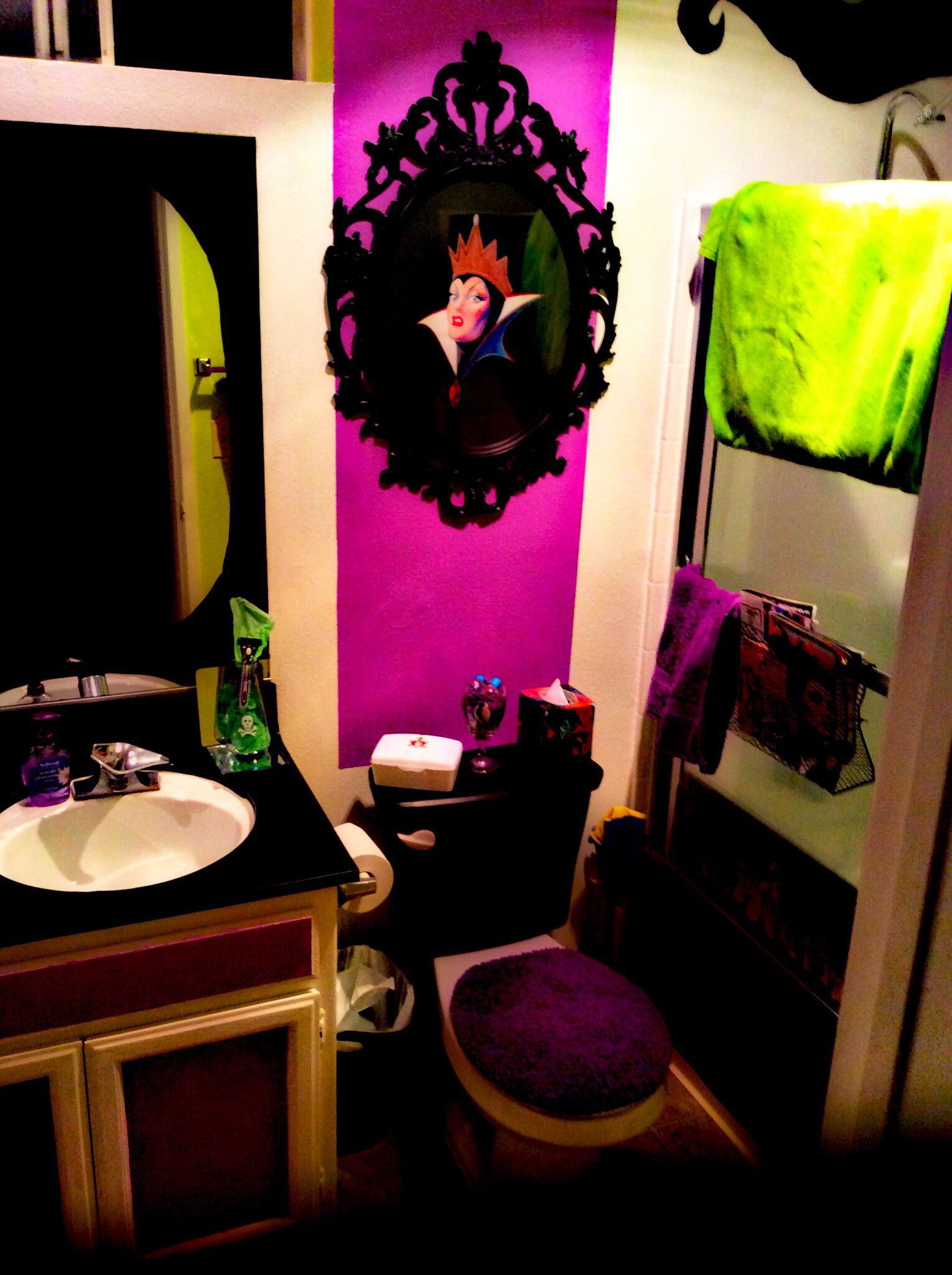 My disney villains bathroom basement of the future - Room decor for small rooms ...