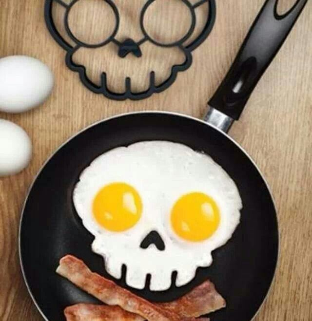Skull and Cross Bones Bacon and Eggs!