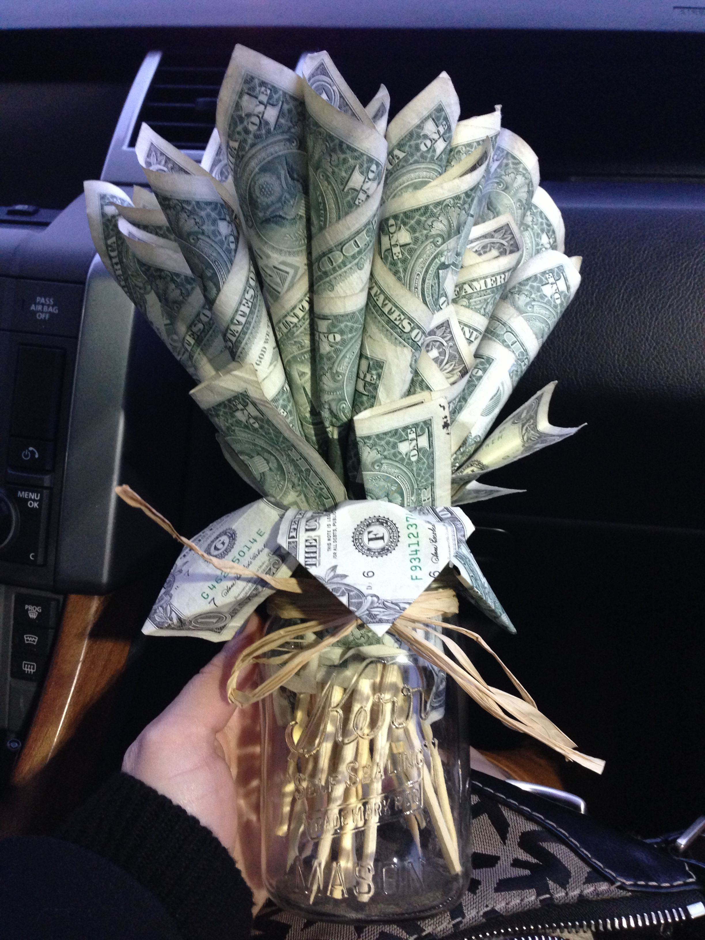 Smart Money Bouquet Idea