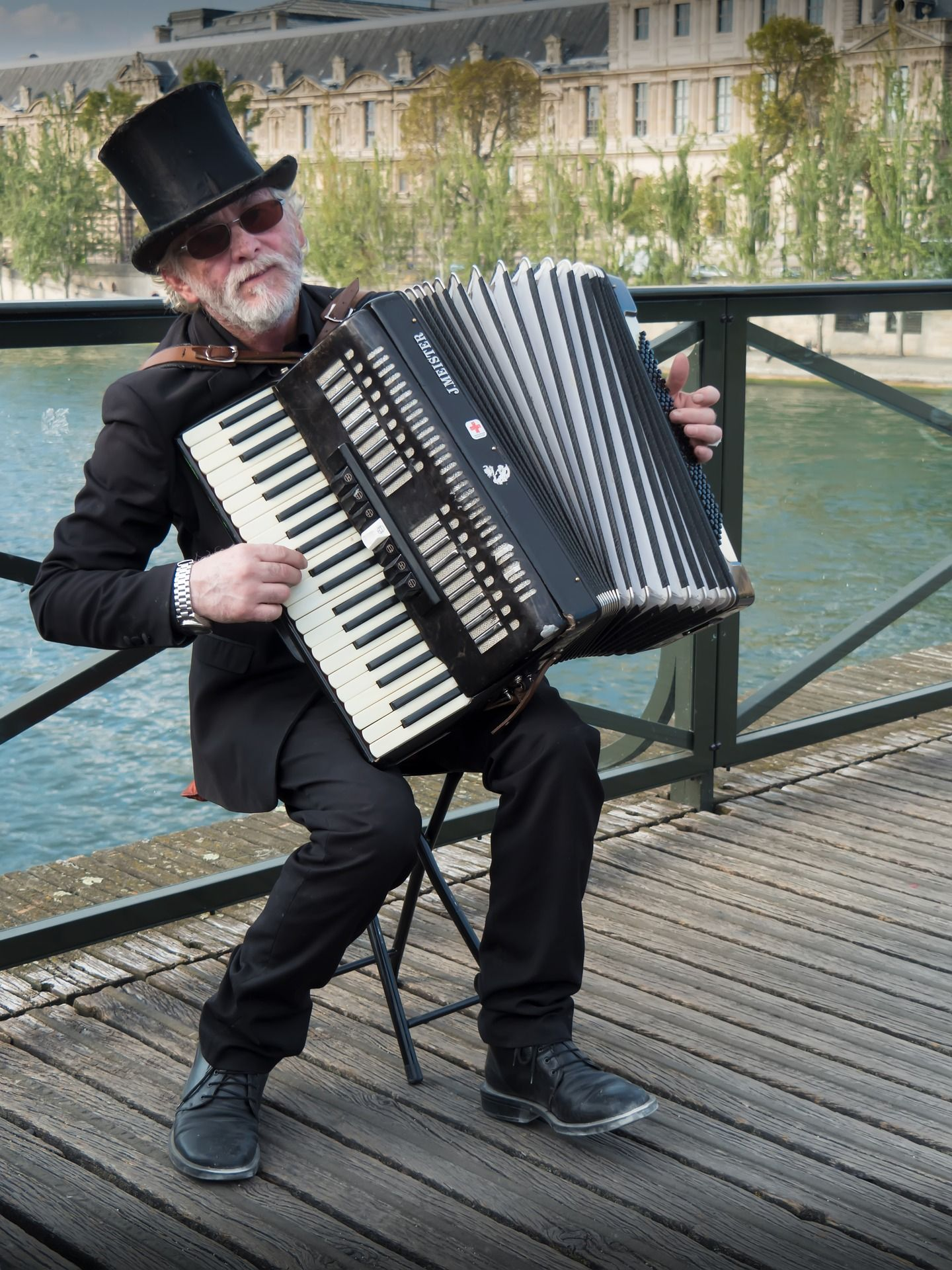 Street accordion music player | Sweet Hymns | Accordion music