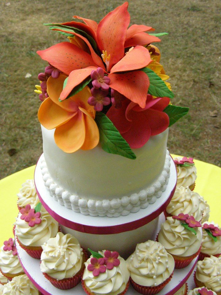 Hawaiian Themed Wedding All Flowers Made By Hand From Scratch