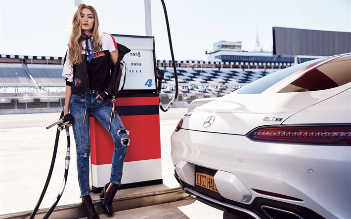 Gigi Hadid Net Worth, Lifestyle, Biography, Wiki, Boyfriend, Family And More
