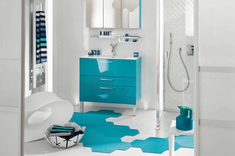 Une Deferlante De Bleu Dans La Deco Salle De Bain Bleu Carrelage Salle De Bain Et Salle De Bain Grise