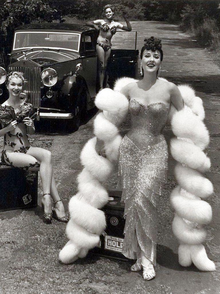 Grace Thompson,Solenn Heussaff (b. 1985) Hot photos Wendy Hiller (1912?003),Robin Curtis