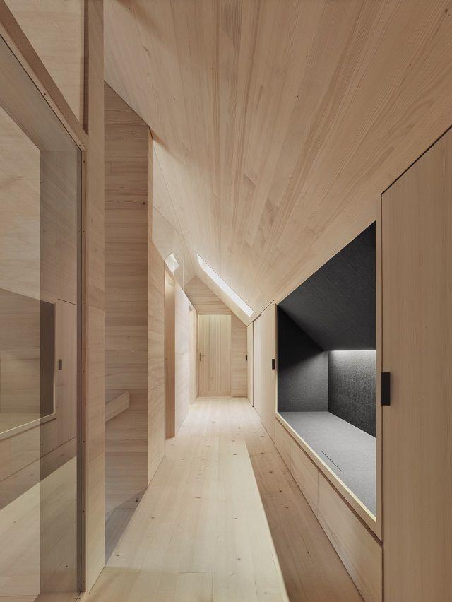 Holz architektur innenraum  Wohntrends: Haus am Moor von Bernardo Bader Architekten ...