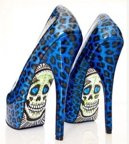 Taylor Reeve's Creative Shoes ok like these shoes but could maybe do without the skulls?