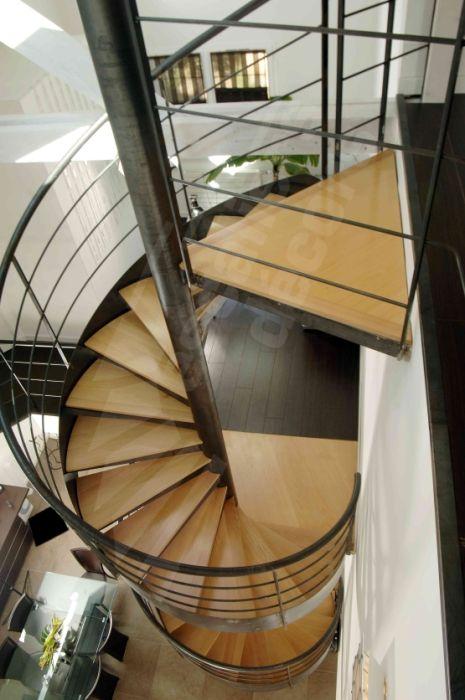 escalier helicoidal sur 2 niveaux