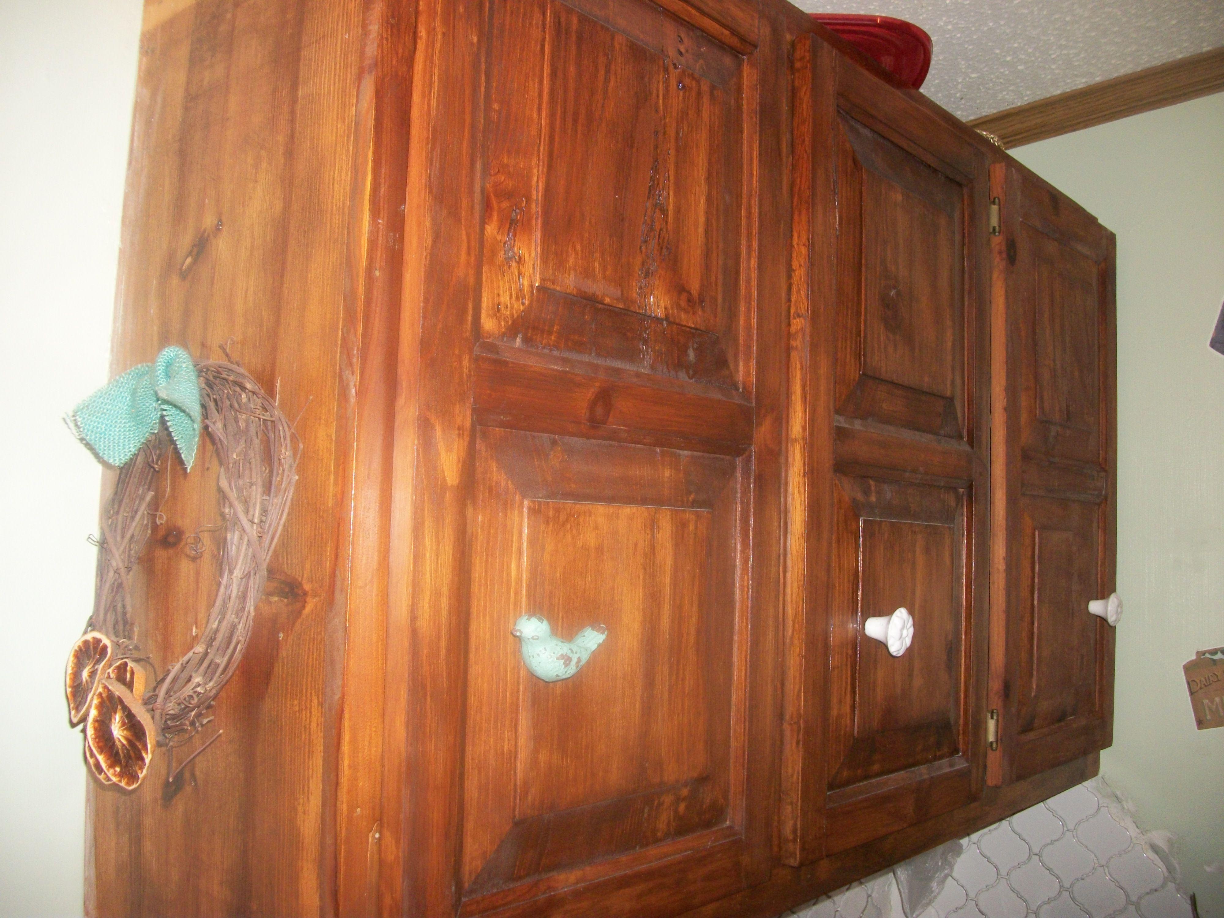 Ledge and brace oak doors - Knotty Pine
