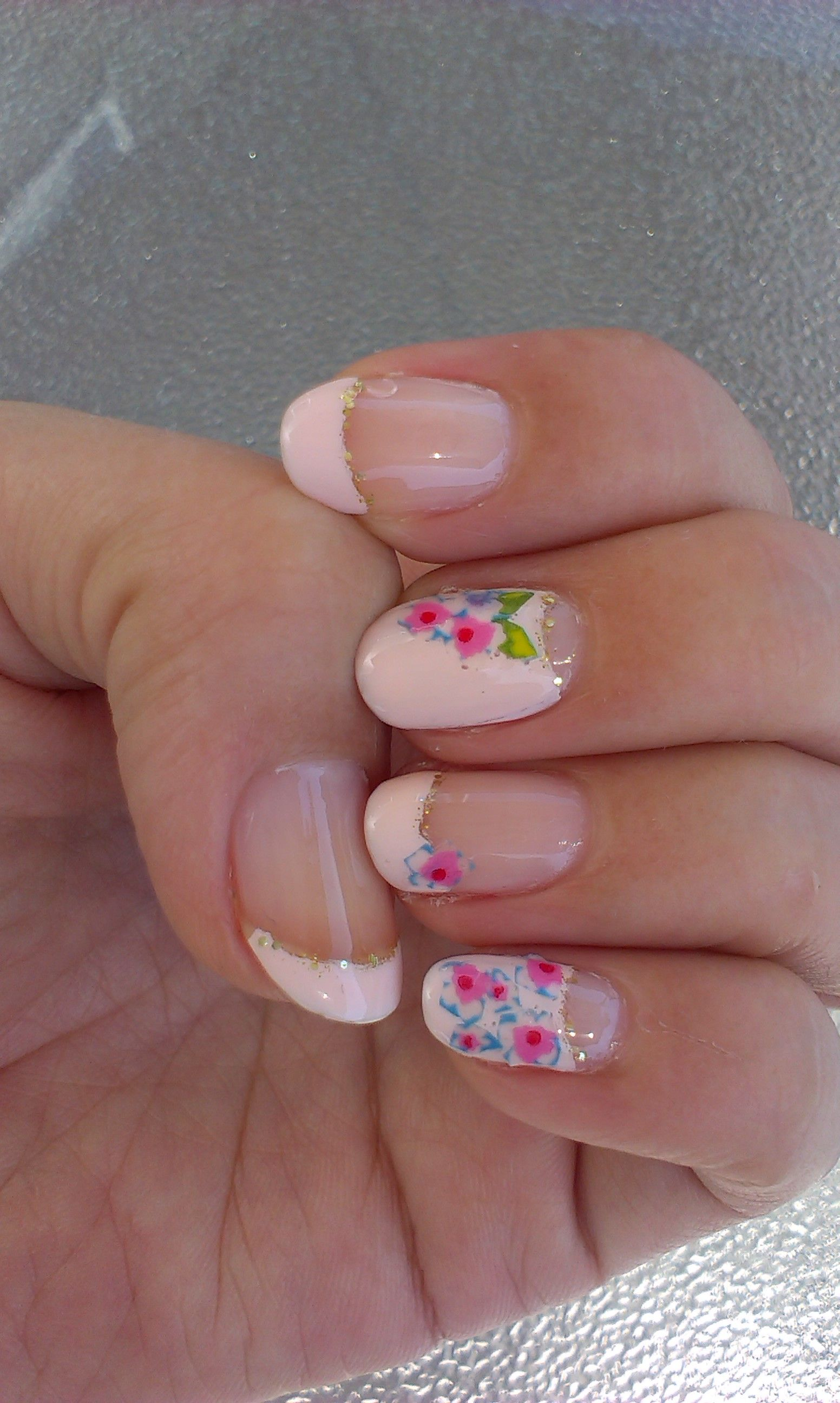 Little flowers on pale pink base. For more Washi Tape nail design ...