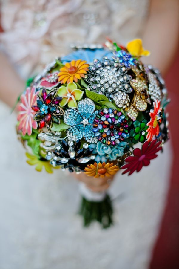 5 Incredibly Cool Alternatives to Flower Bouquets for Weddings ...