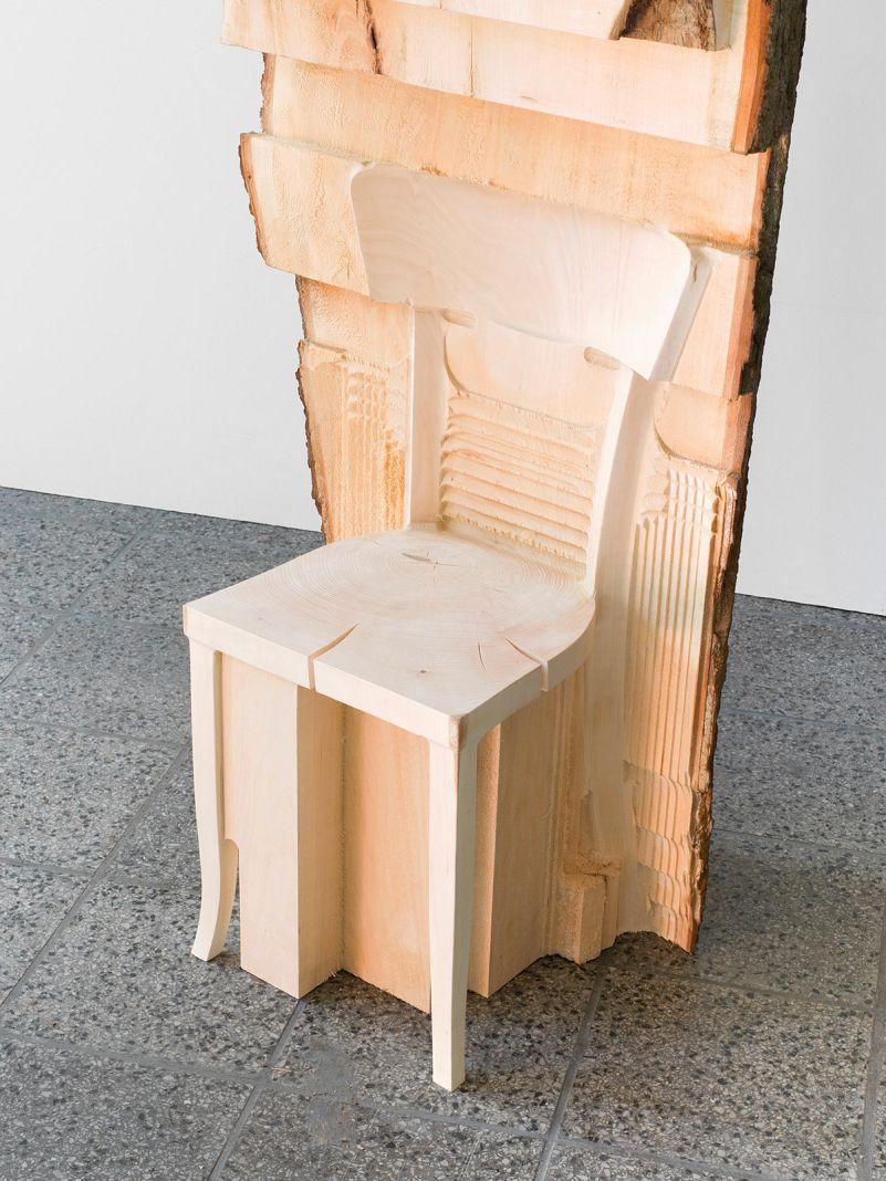 Morceau De Bois Brut les meubles sculptés dans des morceaux de bois bruts de