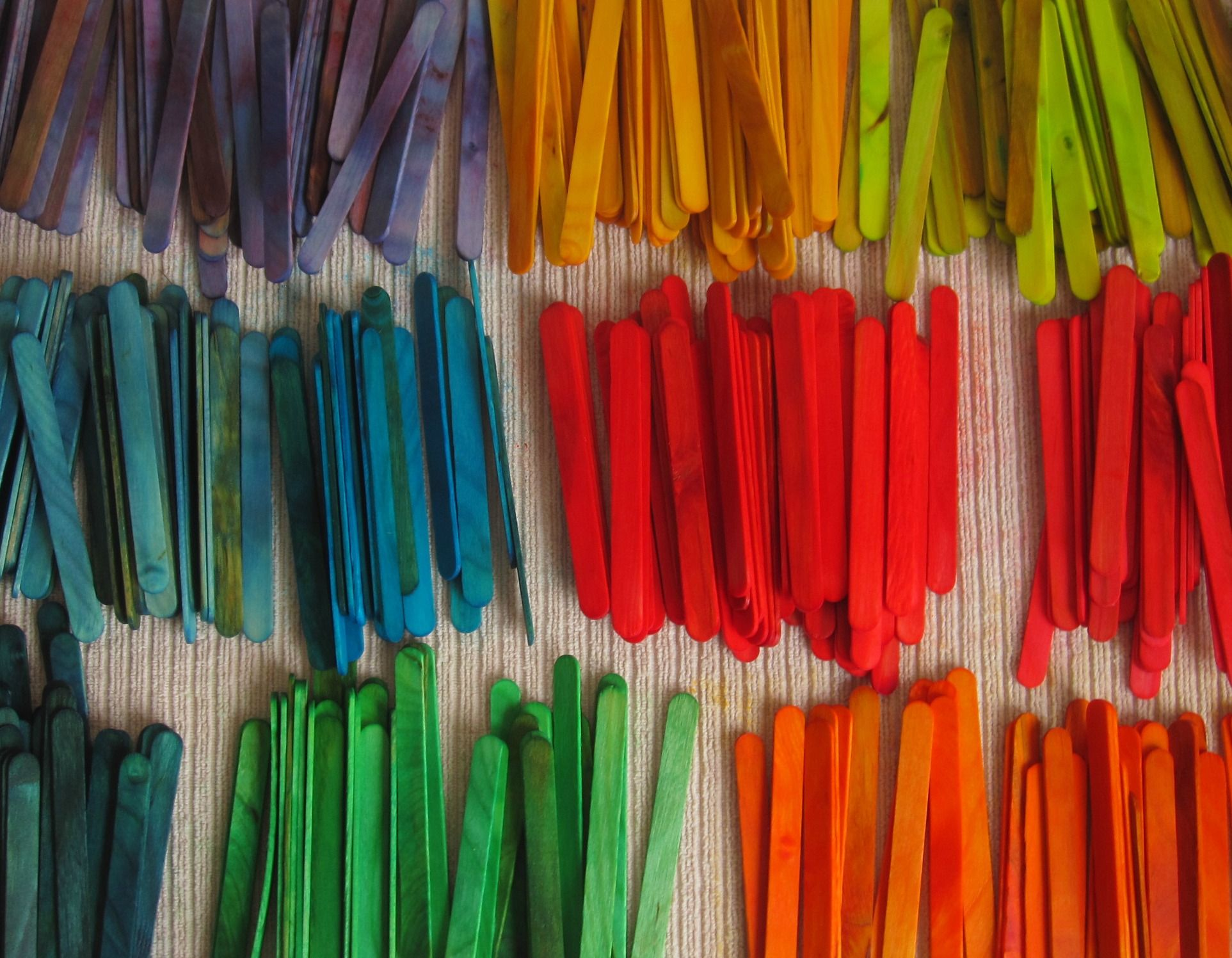 Diy Stained Popsicle Sticks With Food Coloring Popsicle Sticks
