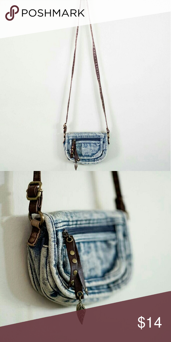 """Denim Mossimo Cross-Body Mini Purse About 5"""" wide, great for festivals! Excellent condition. Mossimo Supply Co Bags Mini Bags"""
