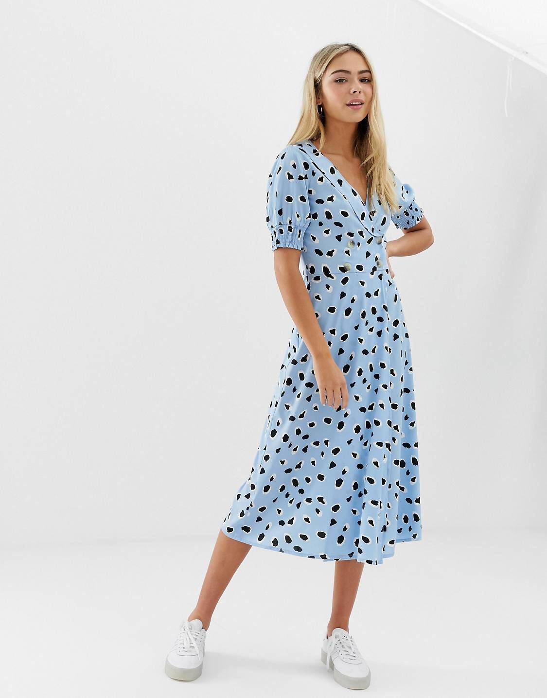 d996c82225 Wednesday's Girl midi dress with shirred sleeves in abstract spot ...