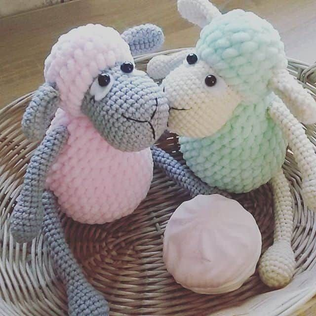 These sweet amigurumi sheep are created in the blink of an eye! The ...