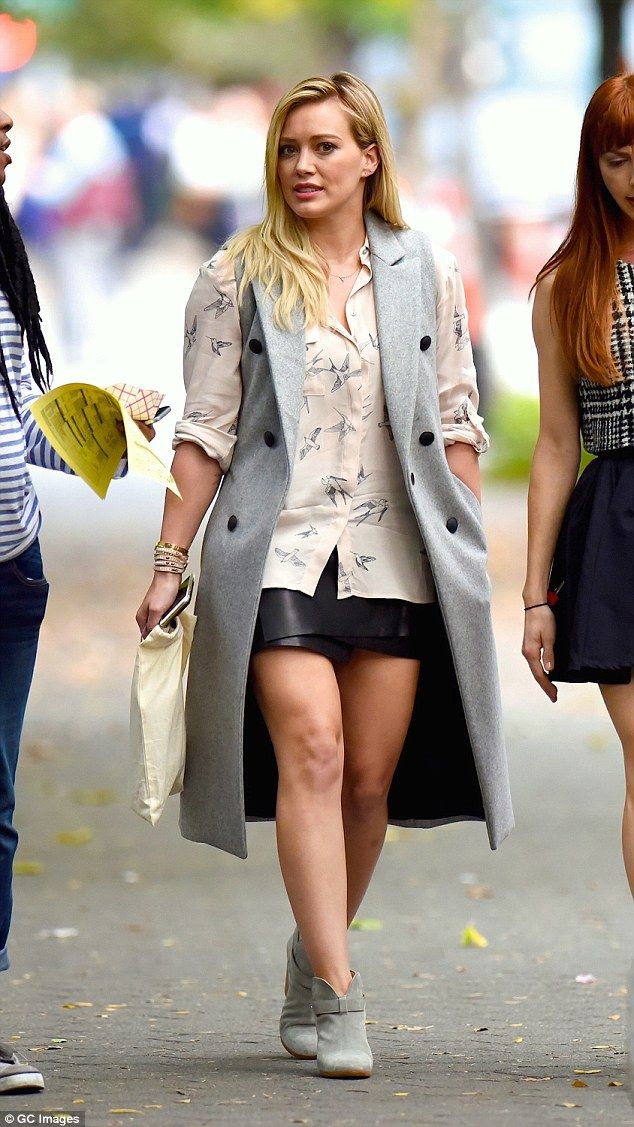 Hilary Duff puts on a leggy display in wrap-around leather skirt ...