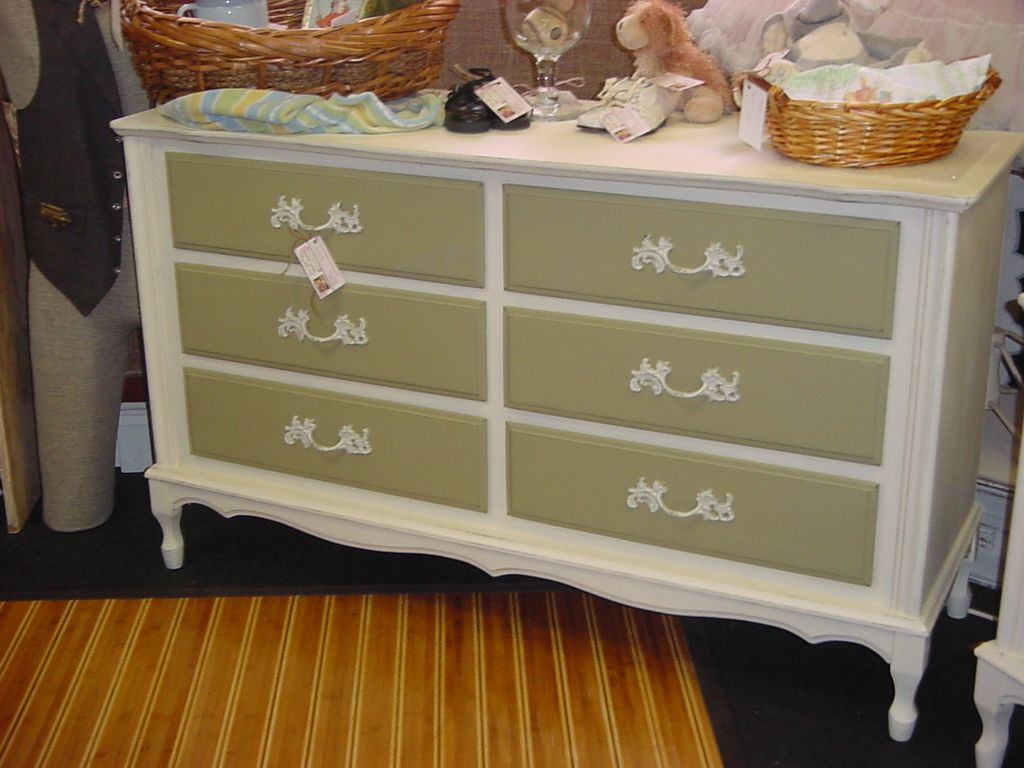 225 French Provincial 6 Drawer Dresser Painted W Annie Sloan Chalk Paint P O This P O Was Uploaded By Encoreresales Find Other 225 French Provin