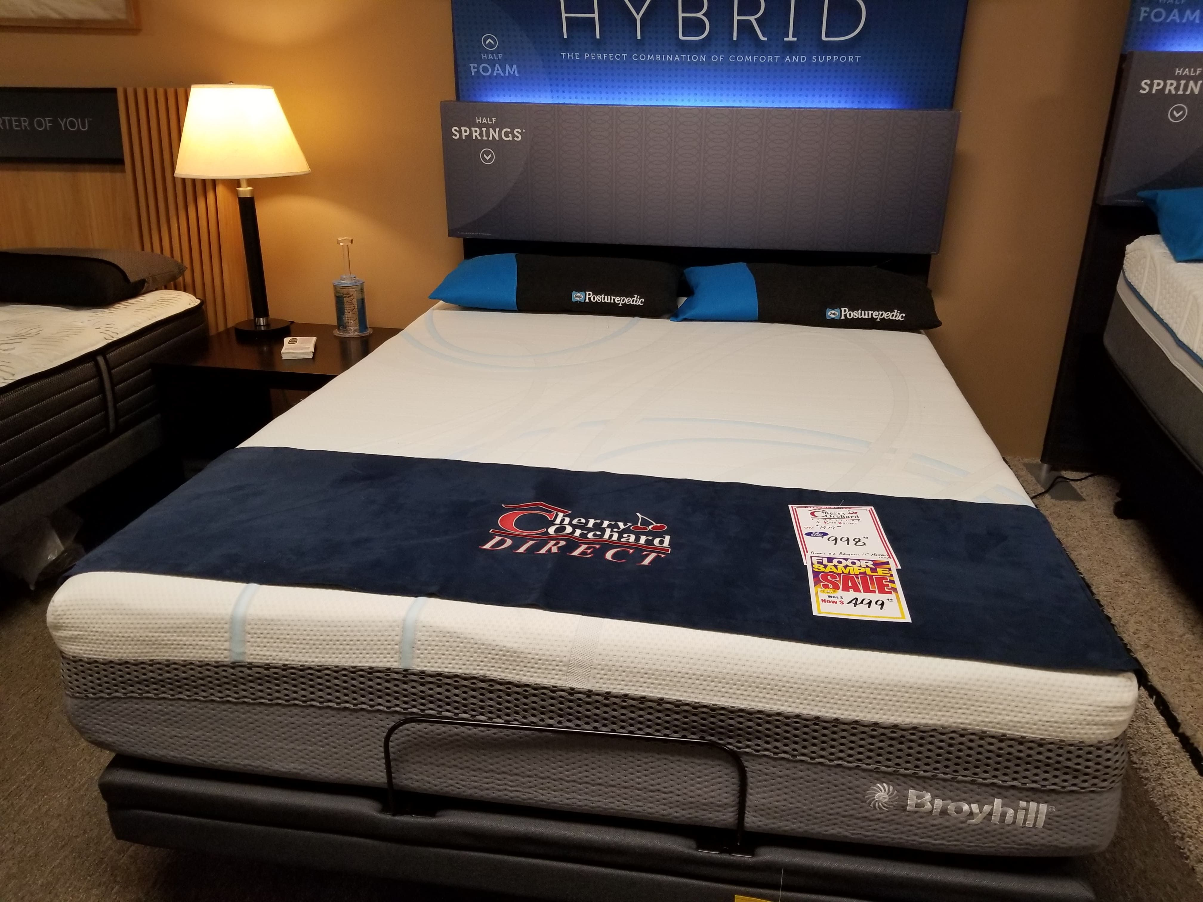 998 Reduced To 499 Huge Floor Model Clearance On This High End Broyhill Hybrid Mattress Many Floor Models To Childrens Furniture Hybrid Mattress Broyhill