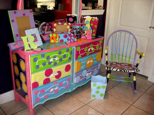 Hand Painted Chairs | Whimsical Hand Painted Furniture Ideas Pictures WOW!