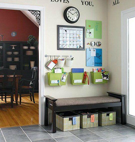 Un organizador perfecto para un recibidor no s si solo - Decoracion para recibidores ...