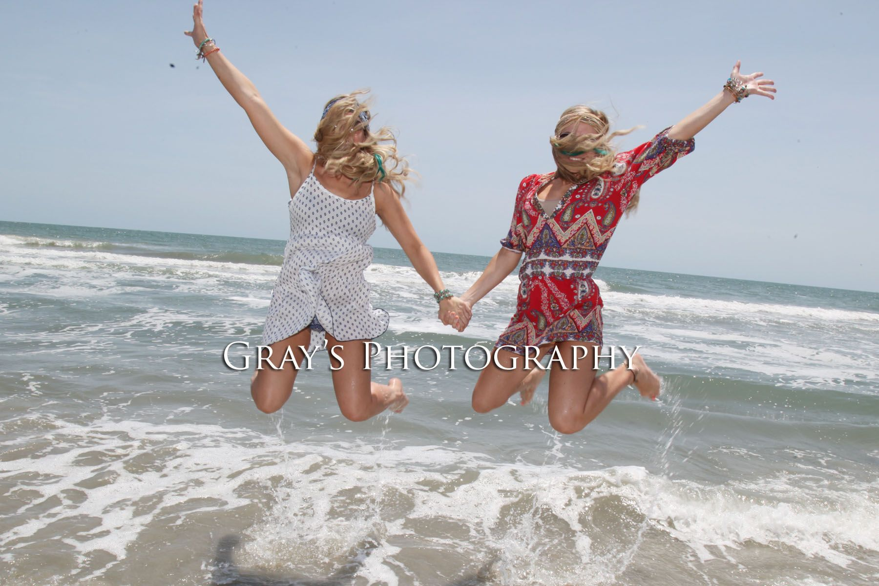 Best friends picture pose, twins, beach pic