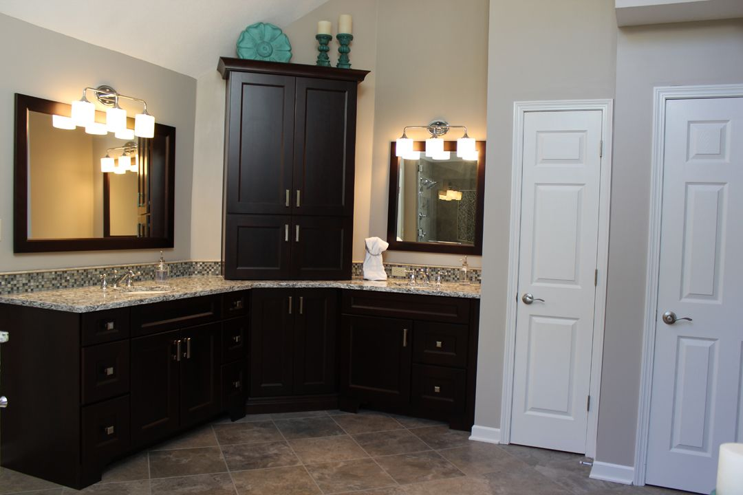 Medallion Gold Series Cabinets In Cherry Wood With