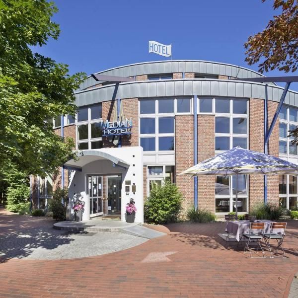 Median Hotel Hannover Lehrte This 4 Star Hotel In Lehrte Offers A 650 M Wellness Beauty And Fitness Area Guests Can Also Rel Hotel Vacation Hotel House Styles