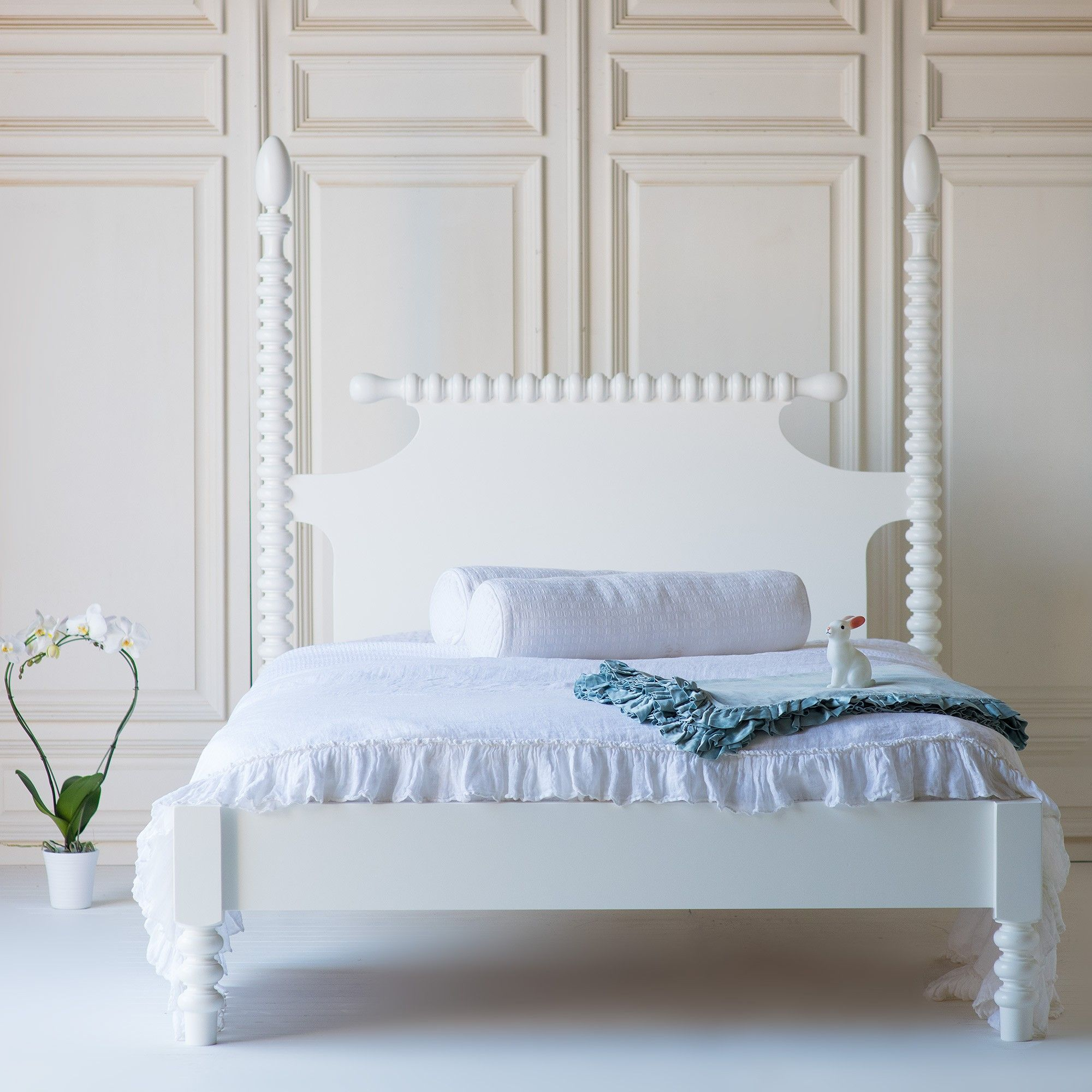 Gwendoline Spindle Bed Low Footboard By The Beautiful Bed Company Bed Linens Luxury Spindle Bed Bed Linen Design