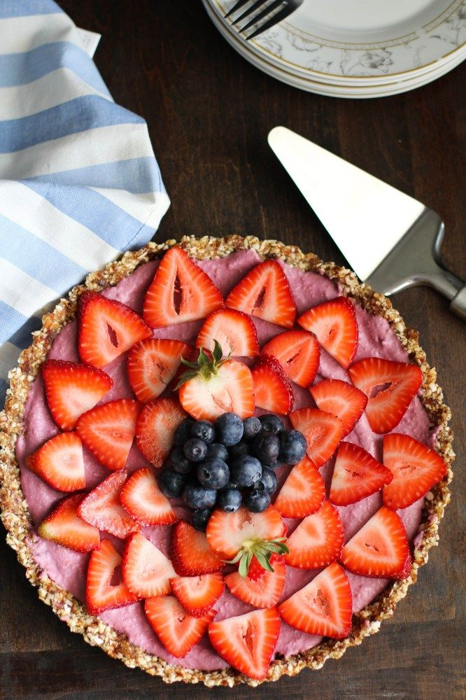 Very Berry Raw Pie – Guest Post on Girl Eats Greens