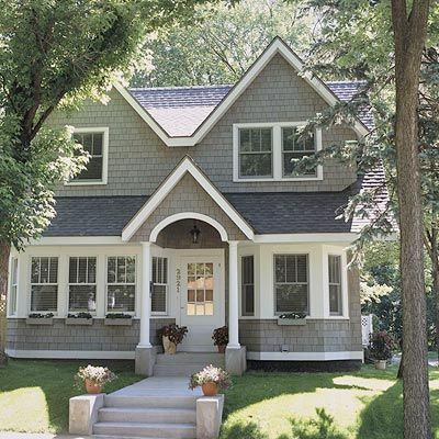 One And A Half Story Home Design Cottage Style Homes House Styles House Exterior