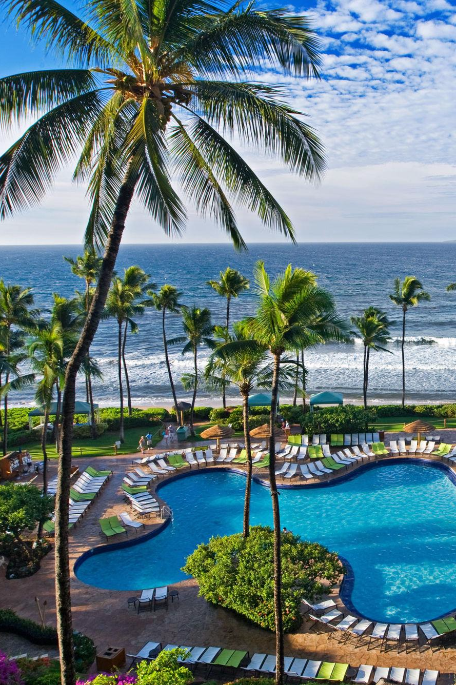 This classically Hawaiian resort has some of Maui's best pools and fronts a gorgeous beach. Hyatt Regency Maui Resort & Spa (Lahaina, Hawaii) - Jetsetter