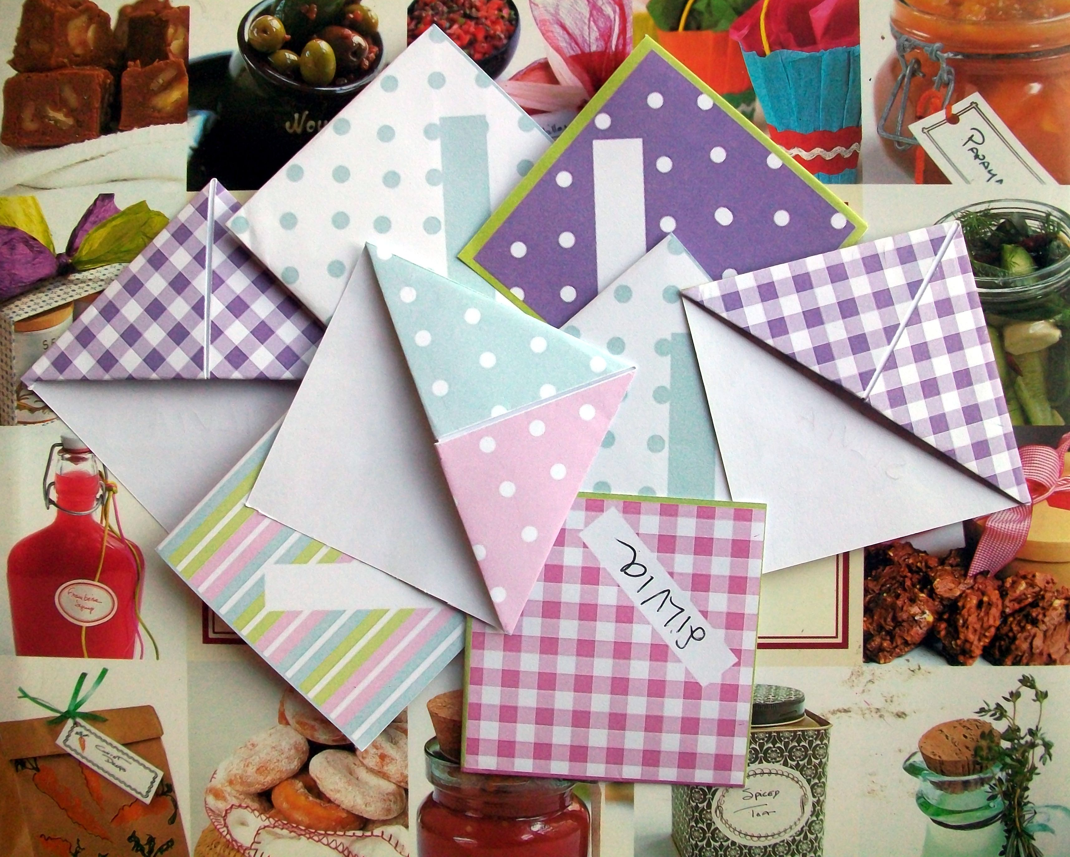 Scrapbook paper books - Freebie Free Origami Bookmarks I Made These With Scrapbook Paper Cut Into Squares They Are Super Cute And Super Easy