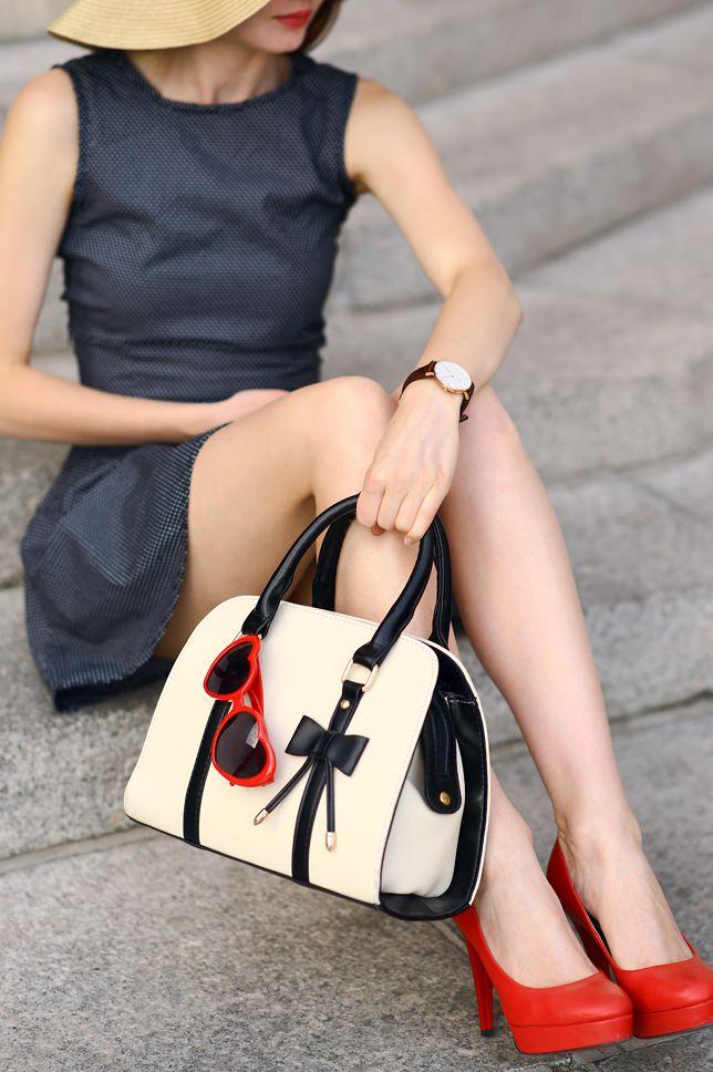 Czerwona Sukienka Ramoneska I Bezowe Szpilki Stylizacja Z Rzymu Przepis Dorota Kaminska Short Sleeve Dresses Dresses With Sleeves Fashion