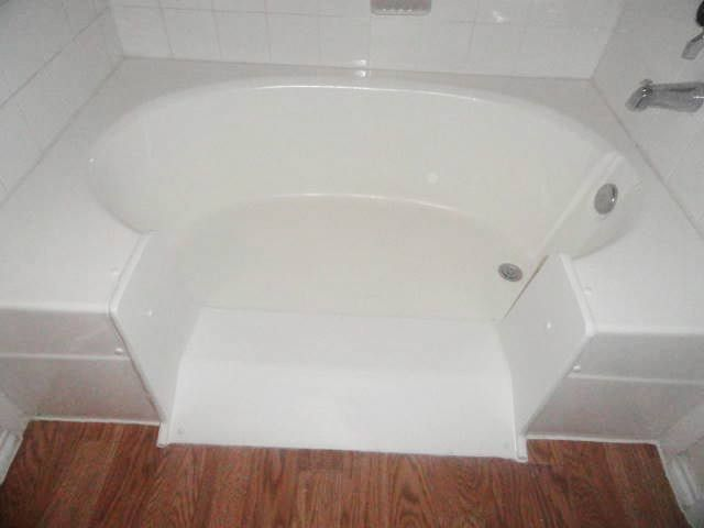 A Stylish And Practical Walk In Tub With Images Tub To Shower