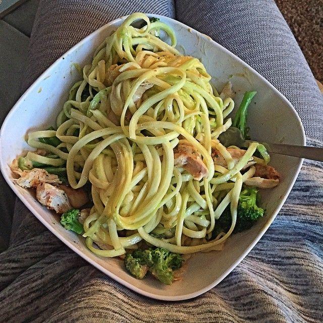 Veggetti noodle maker