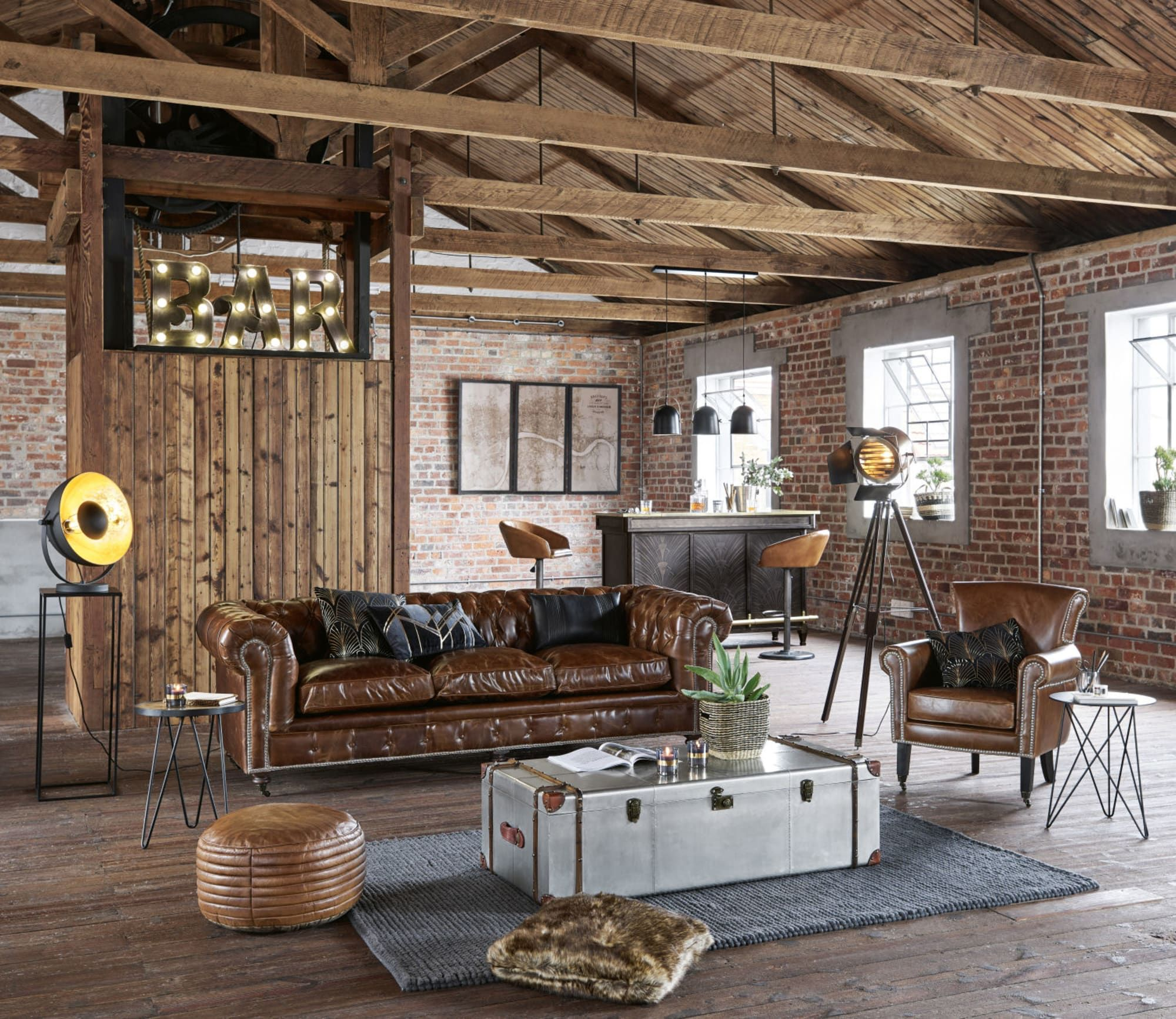 Malle Bar Maison Du Monde truck coffee table in studded aluminium | home, bars for