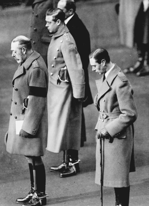 King George V in black armband, with sons, Edward, Prince of Wales, and  Albert, Duke of York | King george