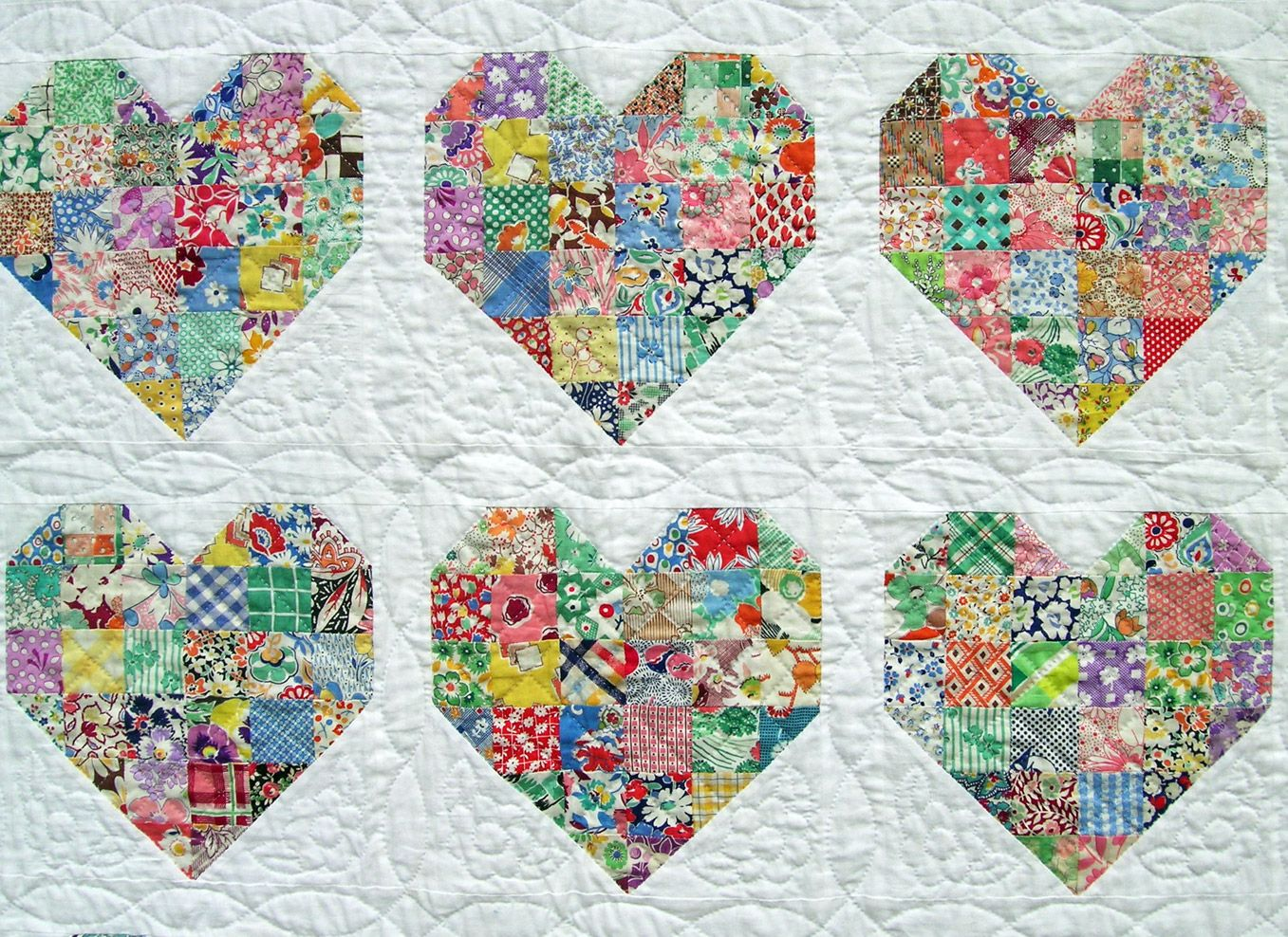 It's made up of two different heart patterns, separated by white ... : quilts with hearts - Adamdwight.com