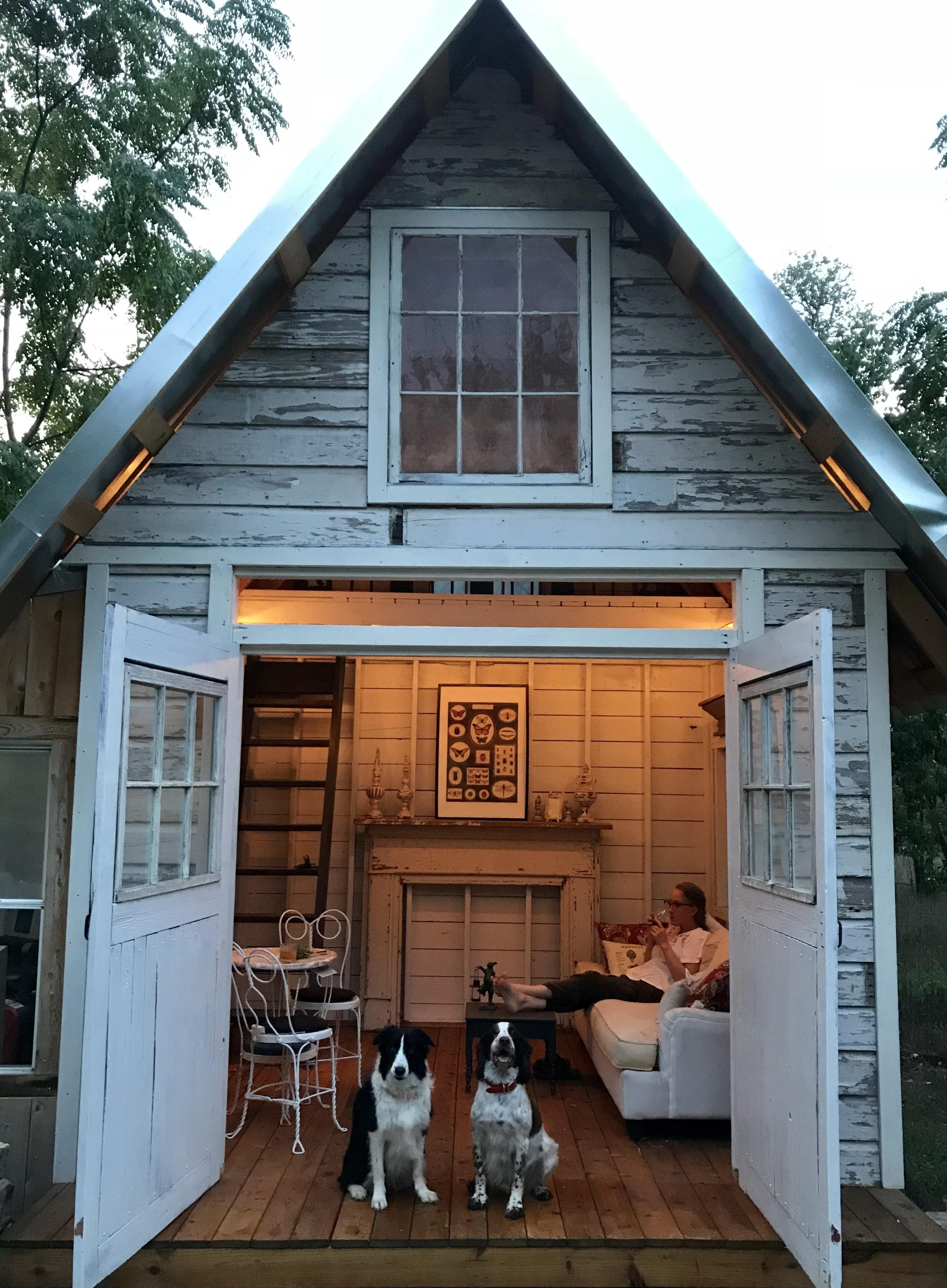 Built A Garden House For My Beautiful Wife Hard To Leave Cozyplaces Shed Homes Shed Tiny House Decor