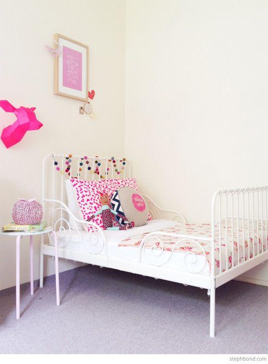 guirnalda pompones habitación infantil niña | Kid\'s Room | Pinterest ...