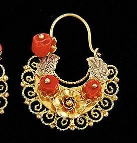 Traditional Mexican Earrings These Are Gold And Coral Seriously Love Mexican Earrings Gold Jewelry Simple Buy Gold Jewelry
