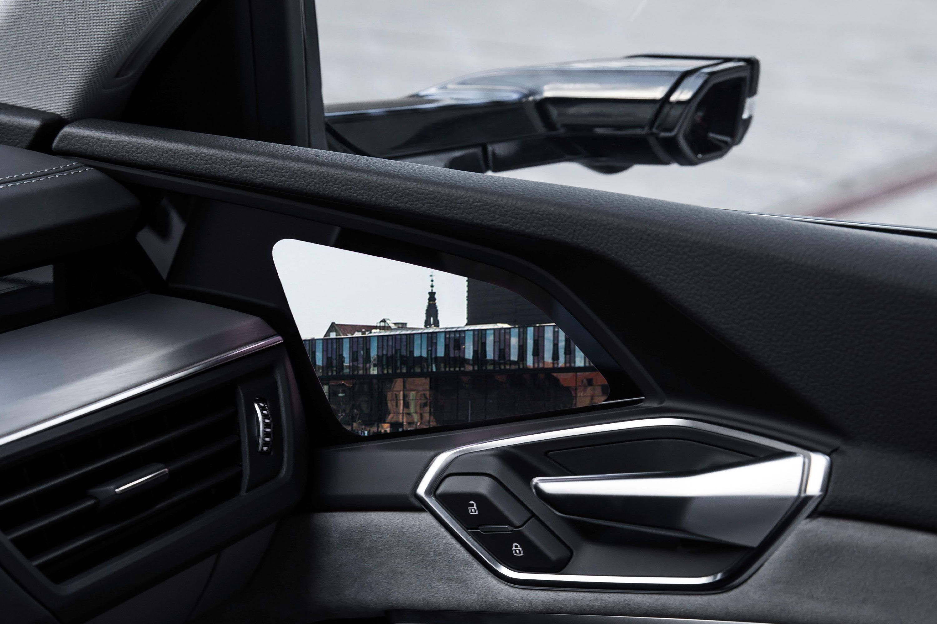 Here How The 2020 Audi E Tron S Virtual Side Mirrors Will Work Side Mirror Audi E Tron Electric Crossover