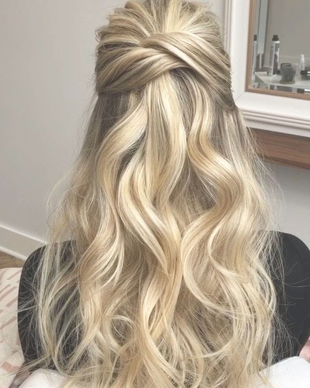 Whether You Re A Bridesmaid Or A Maid Of Honor These Gorgeous Wedding Updos And Hairstyles For Short Bridesmaid Hair Straight Bridesmaid Hair Down Hair Styles